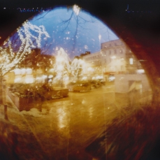 6-7pm, Market Place, 2011. Copyright Anthony Carr